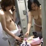 更衣室でのんびりと着替える女達を盗撮