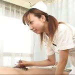 看護婦さんに手コキされながら見つめられるとすぐ出そう