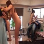 女の子が全裸で散髪してくれる美容室、今なら痴女責めサービス付き