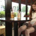喫茶店でマジオナする変態女