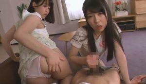 女の子2人がパンチラ挑発と手コキフェラで抜いてくれる