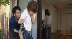 女子校生を自宅まで尾行し家の縁側に出て来た所をレイプする強姦魔