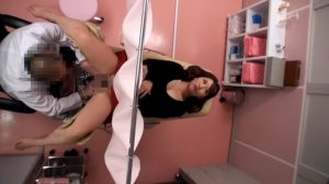 産婦人科に不妊検査にやって来た若妻、オマンコを診られてる内に発情セックス