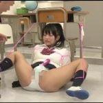 女子校生がエッチな格好で拘束されて放置、それを見た先生も発情