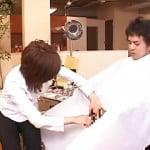 女子美容師がチン毛まで丁寧にカットしてくれる美容室