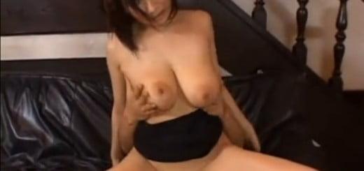 巨乳熟女SEX