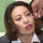 ニュース番組中に精子をぶっ掛けられる女子アナ