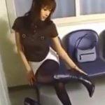 美女がブーツ脱いだり着替えたりするフェチ動画