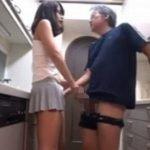 若妻の格好がエロ過ぎて義父が発情してしまった結果・・・