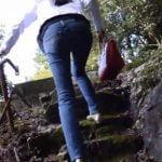 スレンダー女性のジーンズのお尻が良いわ!