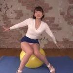 波多野結衣がミニスカトレーニングでパンチラ挑発しまくり