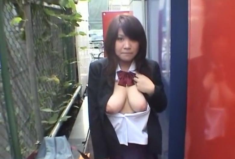 垂れ乳ギャル